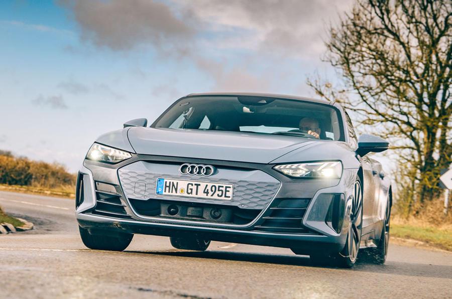 Đánh Giá Xe Điện Audi E-tron GT 2022