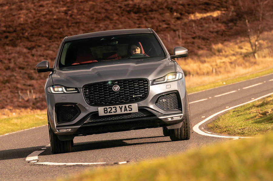 Đánh Giá Xe Jaguar F-Pace 2021 Theo Báo Anh Quốc