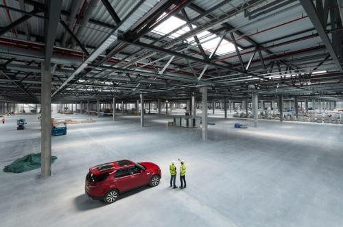 Land Rover Dự Kiến Ra Thêm Mẫu Range Rover Tại Nhà Máy Anh