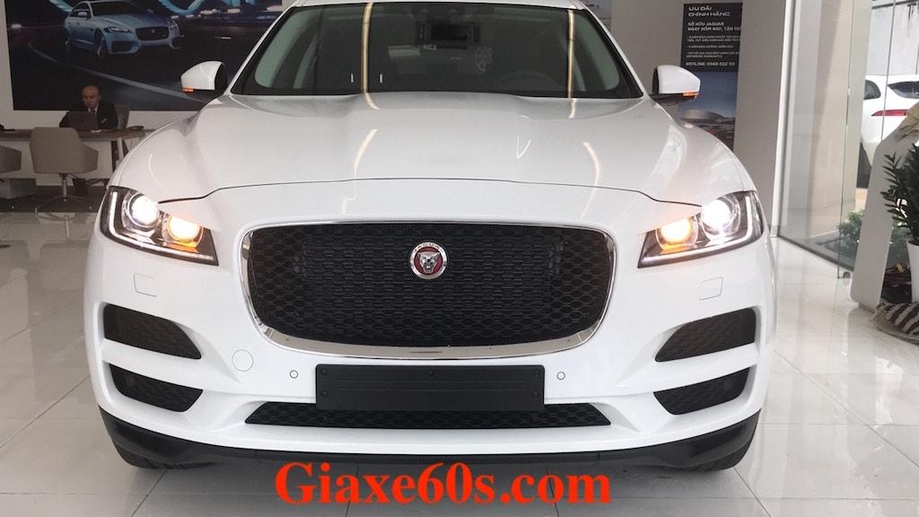 Giá Xe Jaguar F-Pace 2.0 Bao Nhiêu