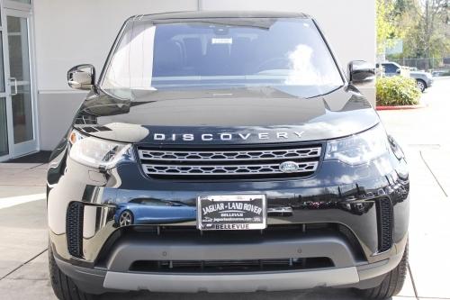 Giá Xe Land Rover Discovery 7 Chỗ Động Cơ 2.0L 300 Mã Lực Bao Nhiêu