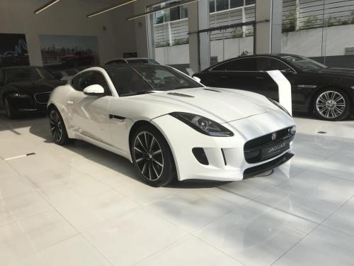 Giá Xe Thể Thao 2 Cửa Jaguar F-Type Màu Trắng Đời Mới Nhất