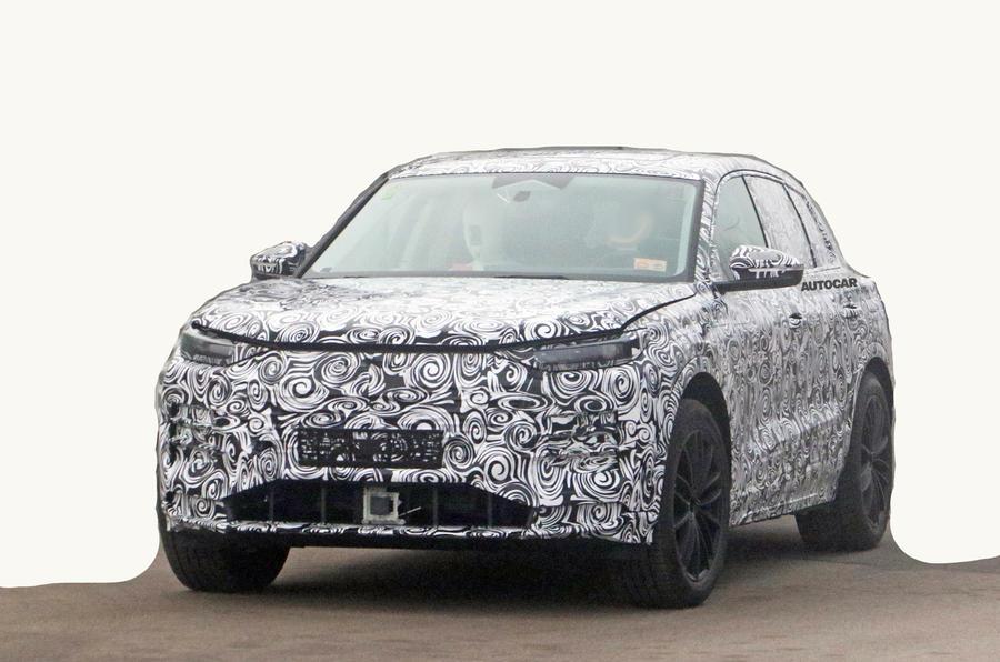 Audi Q5 E-tron: Người anh em Porsche Macan EV với phạm vi 300 dặm