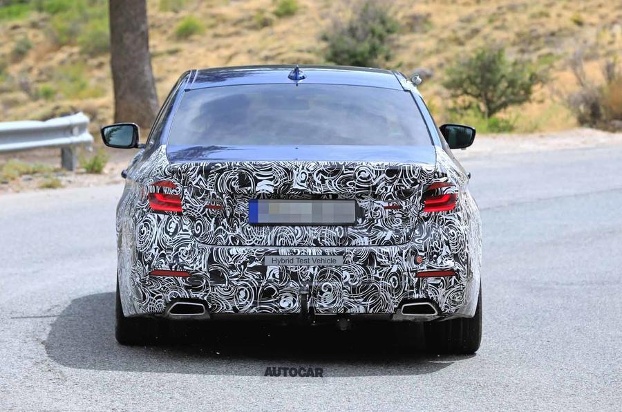 Xe BMW 5 Series Bản Nâng Cấp Ra Mắt Có Gì Mới