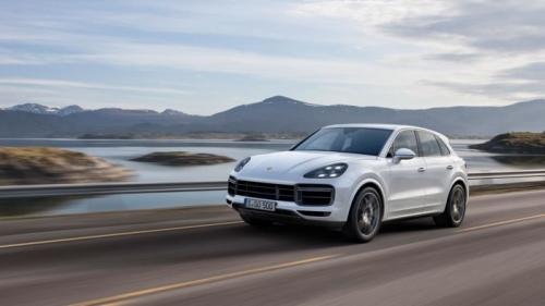 Gía Bán Của Xe Porsche Cayenne Turbo V8 2022 Bao Nhiêu Tiền Lăn Bánh