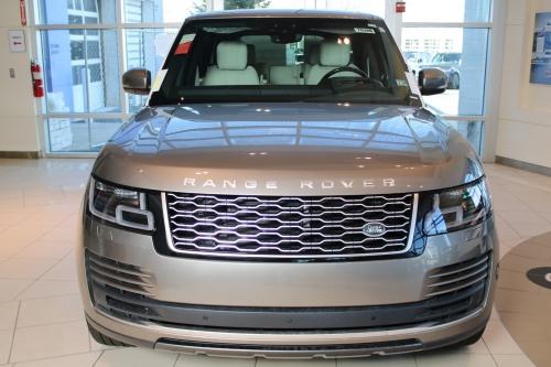 Xe Thùng To Range Rover HSE Và Autobiography LWB Khác Nhau Về Giá Và Option Nào