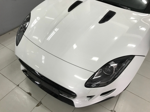 Giá Xe Jaguar 2 Cửa F-Type Màu Trắng Bao Nhiêu Tiền