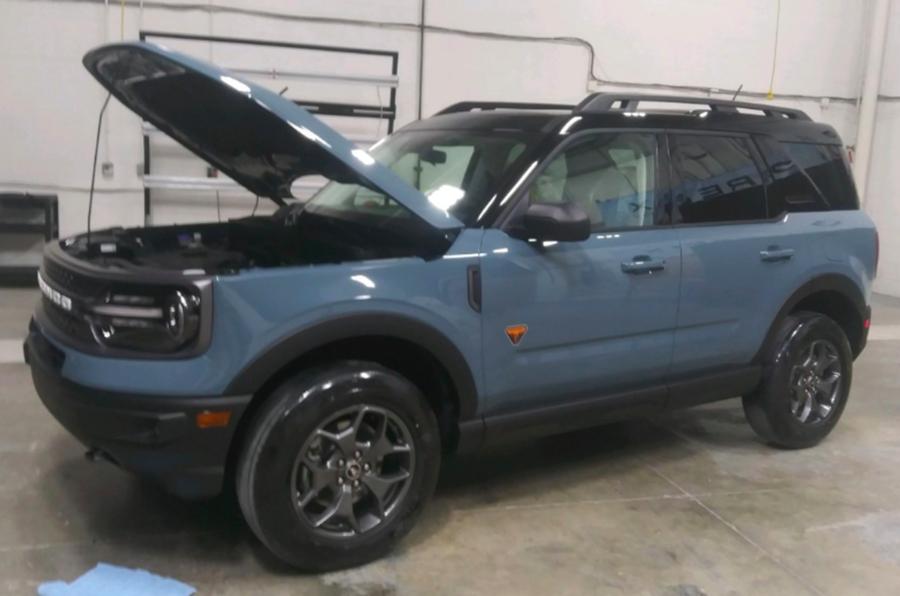 Xe Ford Bronco Và Bronco Sport SUV Off Road Có Gì, Giá Bao Nhiêu