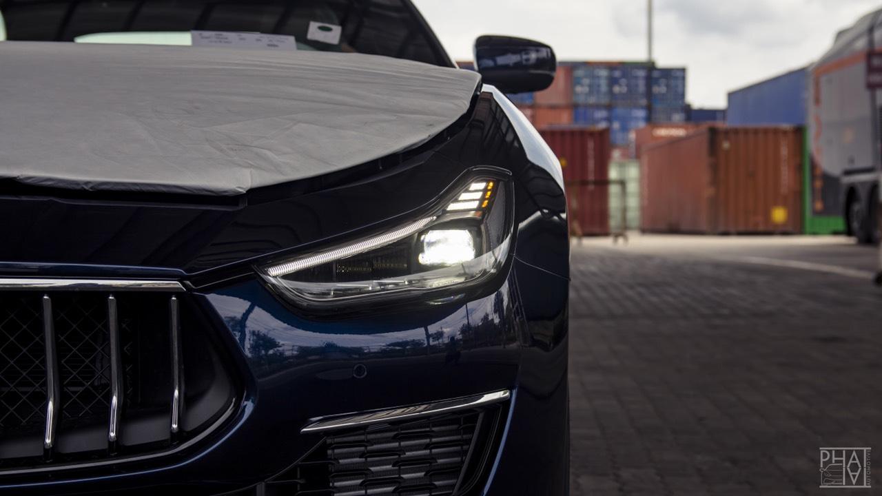 Mua BMW M5, Mercedes E63, Porsche Panamera Hay Maserati 4 Chỗ