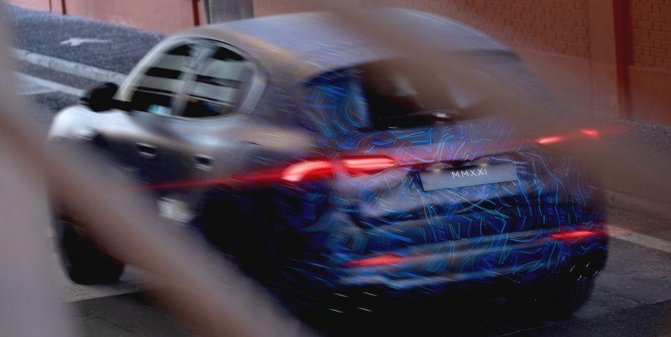Xe Maserati Grecale SUV 5 Chỗ Đối Thủ Porsche Macan, Giá Bao Nhiêu