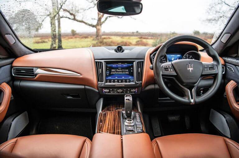 Nội thất của Levante mang đậm bản sắc Maserati