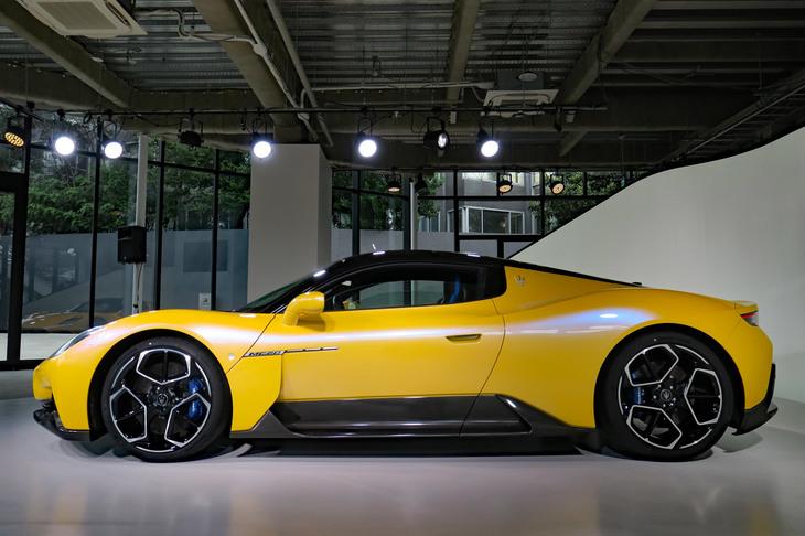 Xe Thể Thao 2 Cửa Maserati MC20 2022 Giá Bao Nhiêu
