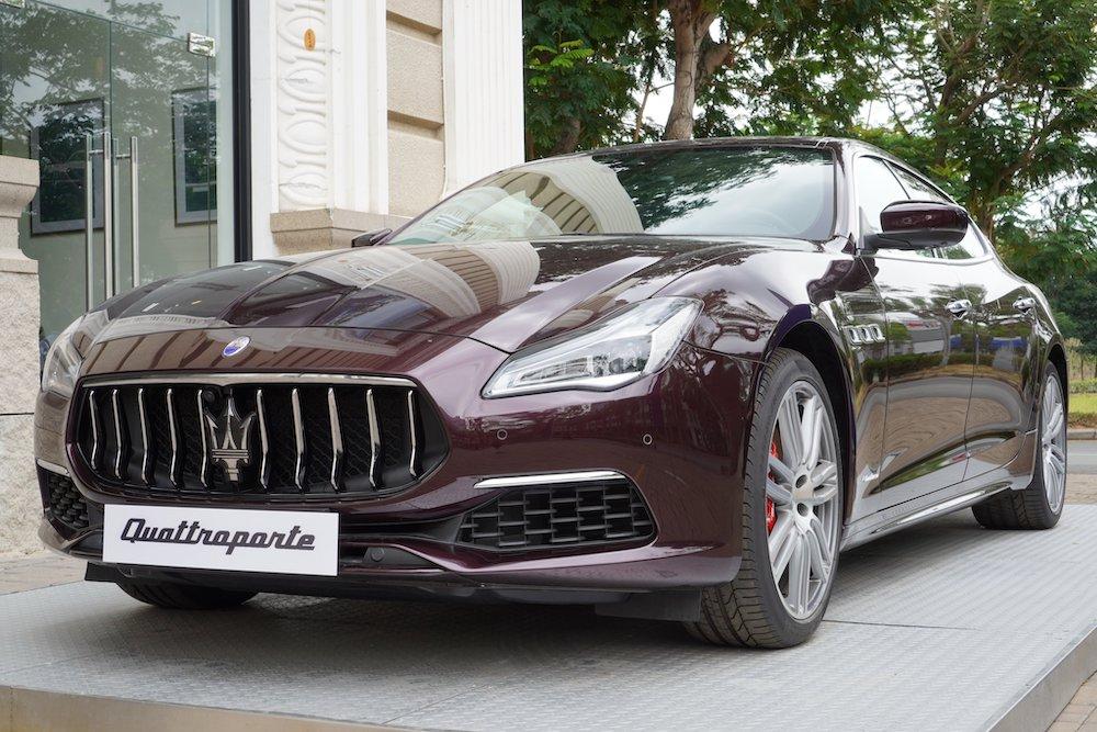 Xe Ý 4 Chỗ Maserati Màu Đỏ Giá Bao Nhiêu Tiền