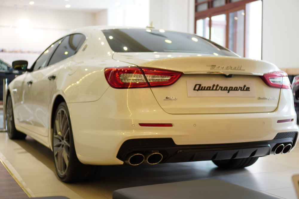 Mua Porsche Panamera, Mercedes S63, BMW 760 Hay Maserati Quattroporte
