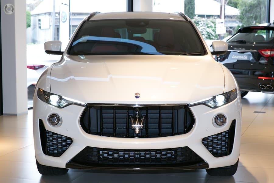 Xe Maserati Levante 5 Chỗ Màu Trắng 3.0 Nhập Ý Giá Bao Nhiêu