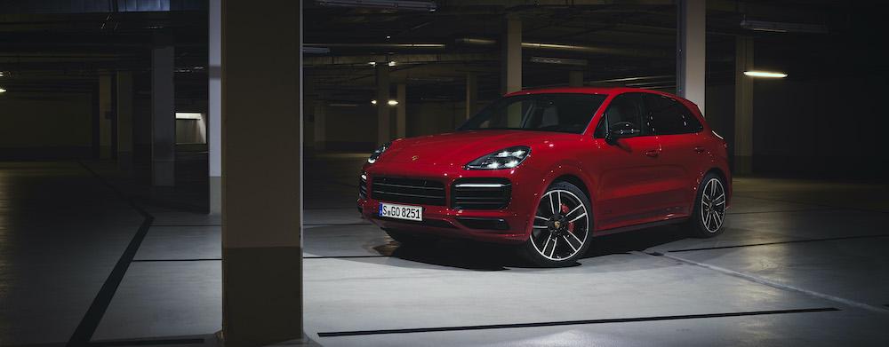 Porsche Cayenne Coupe GTS 4.0 V8 Đời Mới 2021 Có Gì Mới, Giá Bao Nhiêu