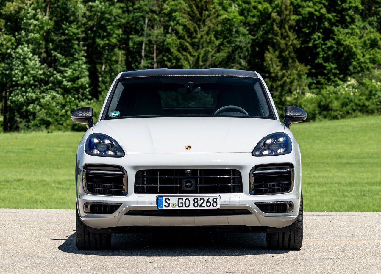 Xe Porsche Cayenne SUV Và Coupe Đặt Hàng - Maserati Levante Giao Ngay