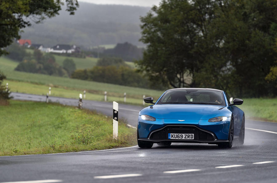 Xe Aston Martin Vantage Của Nước Nào, Giá Bao Nhiêu