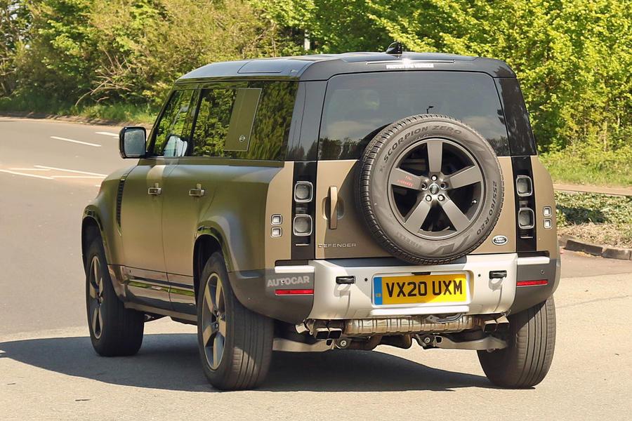 Xe Land Rover Defender Động Cơ Mới V8 Của BMW Cung Cấp