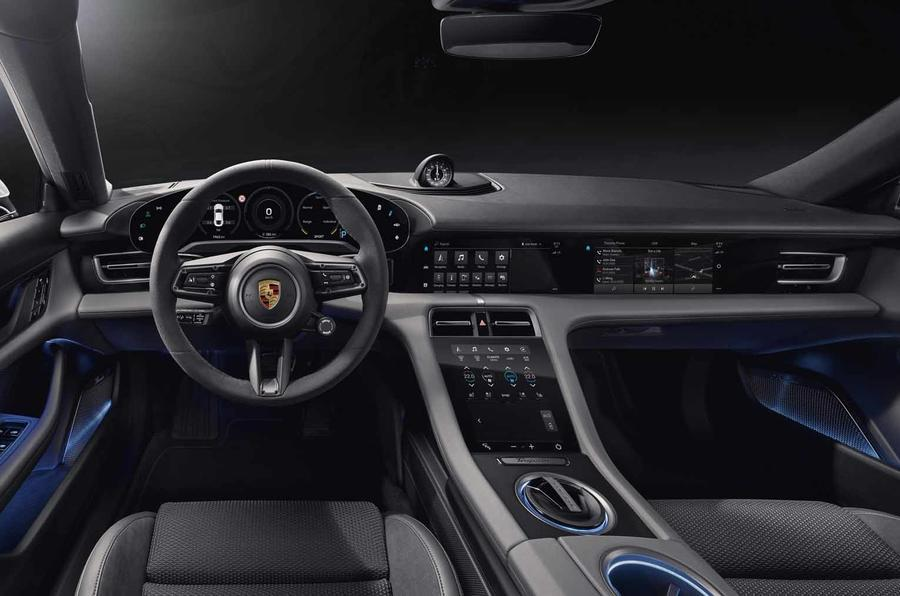 Khi nào Porsche Taycan Động Cơ Điện phải sạc PIN
