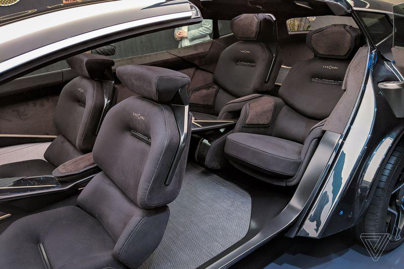 Mẫu Sieu Xe Aston Martin LaGOnDA SUV Gầm Cao Hoàn Toàn Mới Ra Mắt Có Gia Bao Nhiêu Khi Về Việt Nam theo đường nhập khẩu chính hãng, nó sẽ có bao nhiêu màu sắc ngoại thất và nội thất, số chỗ ngồi 5 hay 4 ch�