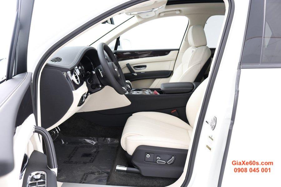 Xe 5 Chỗ Bentley Bentayga Động Cơ V8 Màu Trắng Chính Hãng Bao Nhiêu Tiền