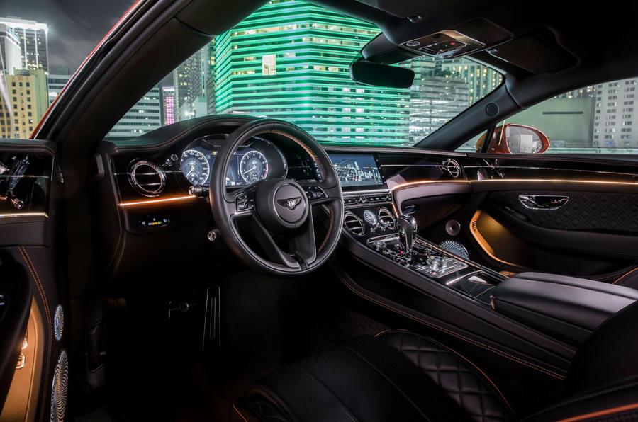 Xe Bentley Continental 2 Cửa Mui Xếp và Mui Cứng Mang Động Cơ Nhỏ 4.0 V8 Giá Bao Nhiêu Tại Việt Nam Nhập Khẩu chính hãng 2019,