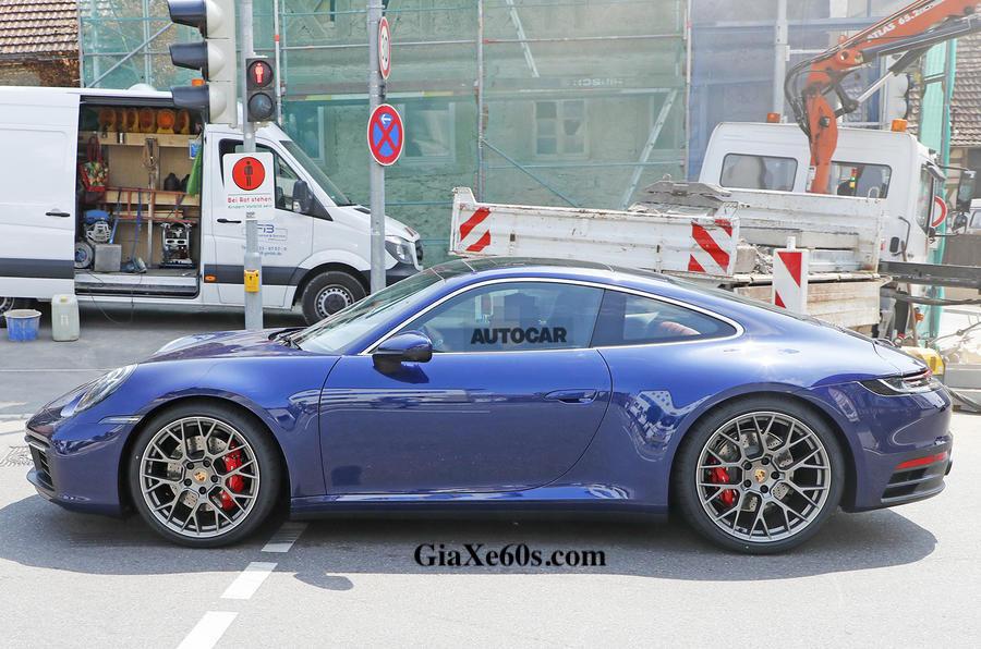 2019 Porsche 911 Thể Thao 2 Cửa Phiên Bản 992 đầu tiên lộ diện, Dư kiến về Việt Nam vào năm sau, mẫu này có gì mới hơn bản hiện tại,