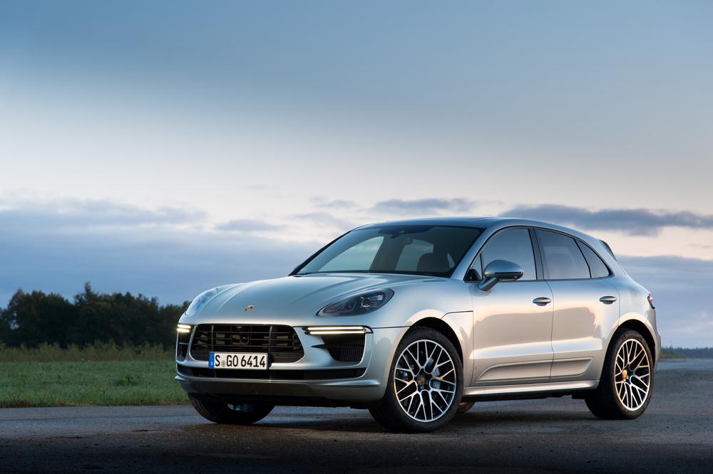 Chiếc Xe gầm cao 5 chỗ của Đức  Porsche Macan, S , Turbo Phiên Bản 2020 Bao Nhiêu Giá Xe Porsche Macan và Macan S Đời Mới 2020 Bản Tiêu Chuẩn Bao Nhiêu, XEPORSCHEMACAN2019GIỐNGMẪUCAYENNETHUNHỎ,TURBO, GTS, SSẼNHẬPVỀ, MACANĐÒIMỚICÓMẤYPHIÊNBẢN TẠIVIỆTNAMVÀ�