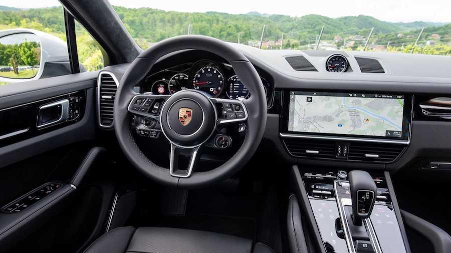 Nội thất xe Porsche Cayenne Coupe bản S tiêu chuẩn màu đen