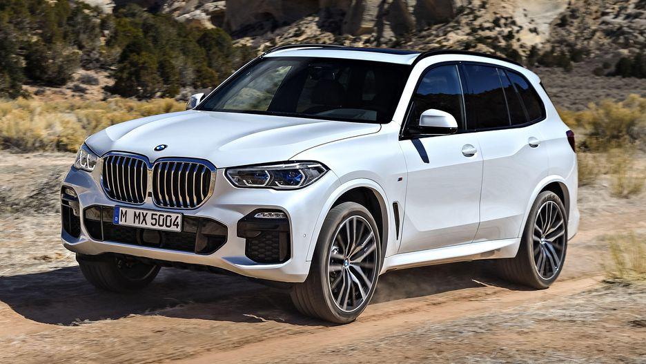 BMW X5 mới có thêm gói offroad. Trạng thái vận hành xe sẽ hiển thị chi tiết trên màn hình đôi, chẳng hạn chế độ lái, trạng thái động cơ, cơ chế chuyển số, ổn định khi offroad… Xe nặng khoảng 3,2 tấn. Giá Xe BMW X5 Đời Mới Nhất 2019 Ra Mắt Bao Nhiêu Tại Việt Nam, Giá Xe BMW X5 Bao Nhieu Tiền Tại Việt Nam - Mẫu 7 Chỗ Hạng Sang, bao nhiêu xe cũ 5+2 X5 Máy dầu và xăng