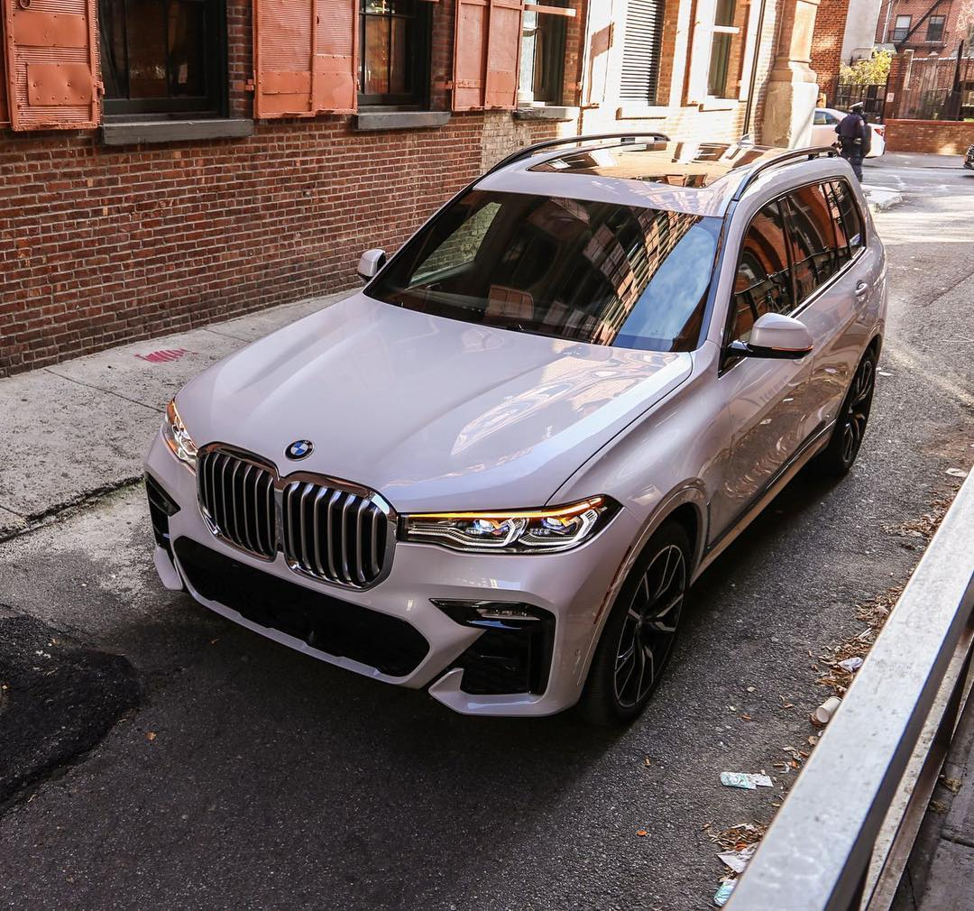 Gia Xe 7 Chỗ BMW X7 40i Và 50i Đời 2020 Khác Nhau Thế Nào Khi Nhập Khẩu Về Việt Nam