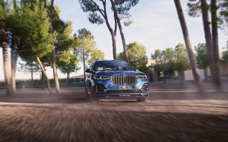 BMW X7 Có Phiên Bản Cao Cấp Alpina XB7 Giá Bán $141,300 , đầu xe mới màu xanh