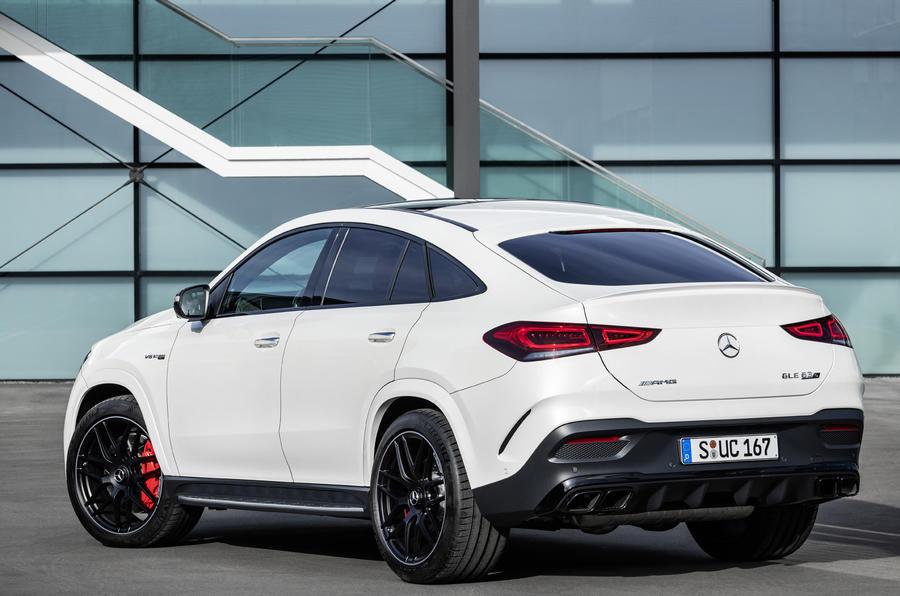 Giá Xe Mercedes GLE Coupe Đời 2020 Hoàn Toàn Mới Màu Trắng Bao Nhiêu Tiền kHi nhập khẩu về Việt Nam, Phiên bản 400, 43 AMG có khác gì nhau, Mercedes lắp ráp hay nhập linh kiện, Giá rẻ nhất bao nhiêu, động cơ x�