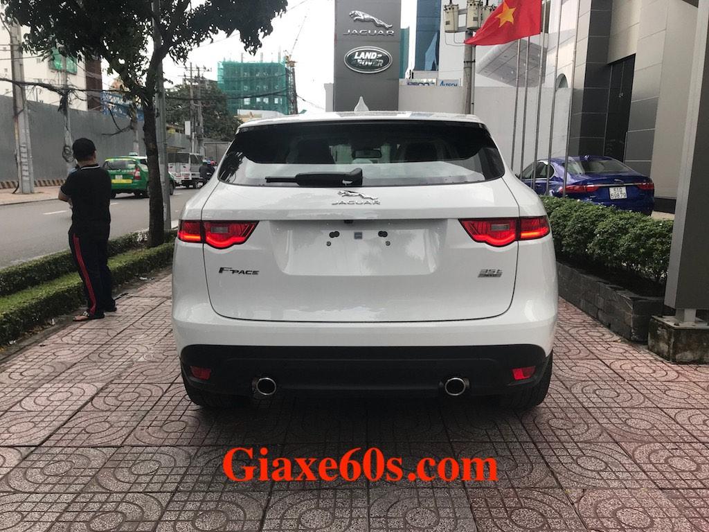 Giá Xe Jaguar F-Pace Màu Trắng Đời Mới 5 Chỗ Gầm Cao Nhập Khẩu 2019, Jaguar SUV mẫu nhỏ nhất, e pace và F-Pace xe nào tốt hơn, Giá Xe Jaguar F-Pace Màu Trắng Đời Mới 5 Chỗ Gầm Cao Nhập Khẩu