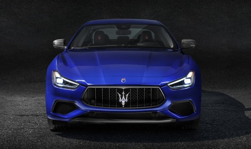 Giá Xe Maserati Ghibli 4 Chỗ 2020 Bao Nhiêu, Có Mấy Phiên Bản - Carbon trên bản gransport màu xanh