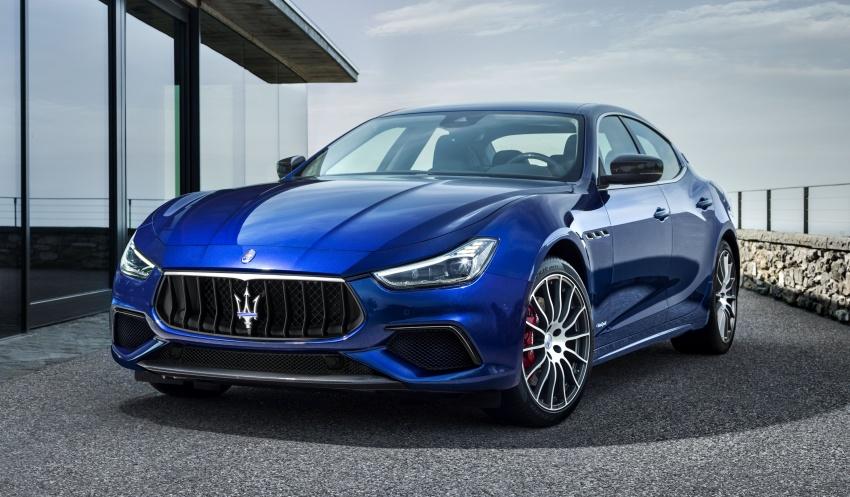 Giá Xe Maserati Ghibli 4 Chỗ 2020 Bao Nhiêu, Có Mấy Phiên Bản - Carbon trên bản gransport - phần đầu xe