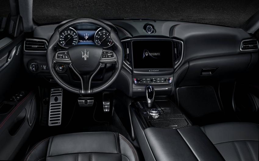 Giá Xe Maserati Ghibli 4 Chỗ 2020 Bao Nhiêu, Có Mấy Phiên Bản - Carbon trên bản gransport nội thất