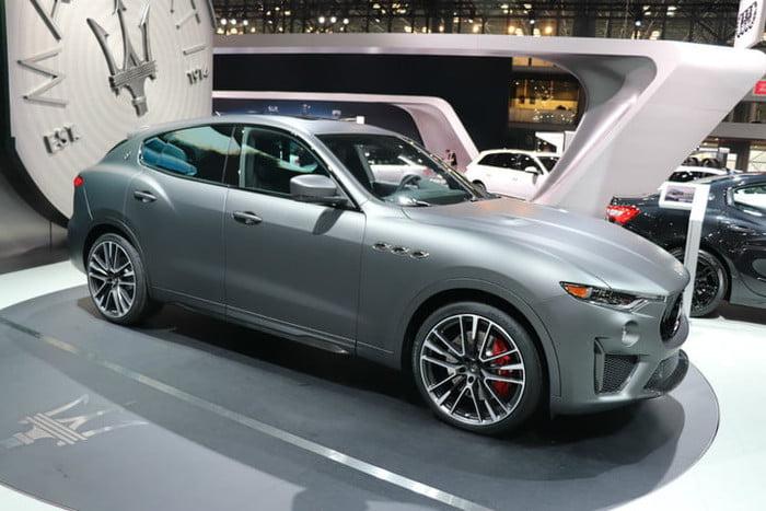 Hình ảnh xe Maserati Levante SUV Trofeo màu trắng. Maserati Levante Trofeo Màu Trắng Chiếc SUV Có Giá Đắt Nhất Của Ý Ra Mắt Tại Việt Nam năm nay, có 3 màu là đen, xám, trắng cùng nội thất nâu da bò và đen kết hợp đỏ,   Maserati Levante Trofeo Màu Trắng Chiếc SUV Có Giá Đắt Nhất Của Ý Ra Mắt Tại Việt Nam năm nay, có 3 màu là đen, xám, trắng cùng nội thất nâu da bò và đen kết hợp đỏ,   Maserati Levante Trofeo Màu Trắng Chiếc SUV Có Giá Đắt Nhất Của Ý Ra Mắt Tại Việt Nam năm nay, có 3 màu là đen, xám, trắng cùng nội thất nâu da bò và đen kết hợp đỏ,   Maserati Levante Trofeo Màu Trắng Chiếc SUV Có Giá Đắt Nhất Của Ý Ra Mắt Tại Việt Nam năm nay, có 3 màu là đen, xám, trắng cùng nội thất nâu da bò và đen kết hợp đỏ,   Maserati Levante Trofeo Màu Trắng Chiếc SUV Có Giá Đắt Nhất Của Ý Ra Mắt Tại Việt Nam năm nay, có 3 màu là đen, xám, trắng cùng nội thất nâu da bò và đen kết hợp đỏ,   Maserati Levante Trofeo Màu Trắng Chiếc SUV Có Giá Đắt Nhất Của Ý Ra Mắt Tại Việt Nam năm nay, có 3 màu là đen, xám, trắng cùng nội thất nâu da bò và đen kết hợp đỏ,   Maserati Levante Trofeo Màu Trắng Chiếc SUV Có Giá Đắt Nhất Của Ý Ra Mắt Tại Việt Nam năm nay, có 3 màu là đen, xám, trắng cùng nội thất nâu da bò và đen kết hợp đỏ,   Maserati Levante Trofeo Màu Trắng Chiếc SUV Có Giá Đắt Nhất Của Ý Ra Mắt Tại Việt Nam năm nay, có 3 màu là đen, xám, trắng cùng nội thất nâu da bò và đen kết hợp đỏ,   Maserati Levante Trofeo Màu Trắng Chiếc SUV Có Giá Đắt Nhất Của Ý Ra Mắt Tại Việt Nam năm nay, có 3 màu là đen, xám, trắng cùng nội thất nâu da bò và đen kết hợp đỏ,   Hình ảnh xe Maserati Levante Trofeo Màu Xám. Chiếc Maserati 5 chỗ Levante phiên bản trofeo màu xám