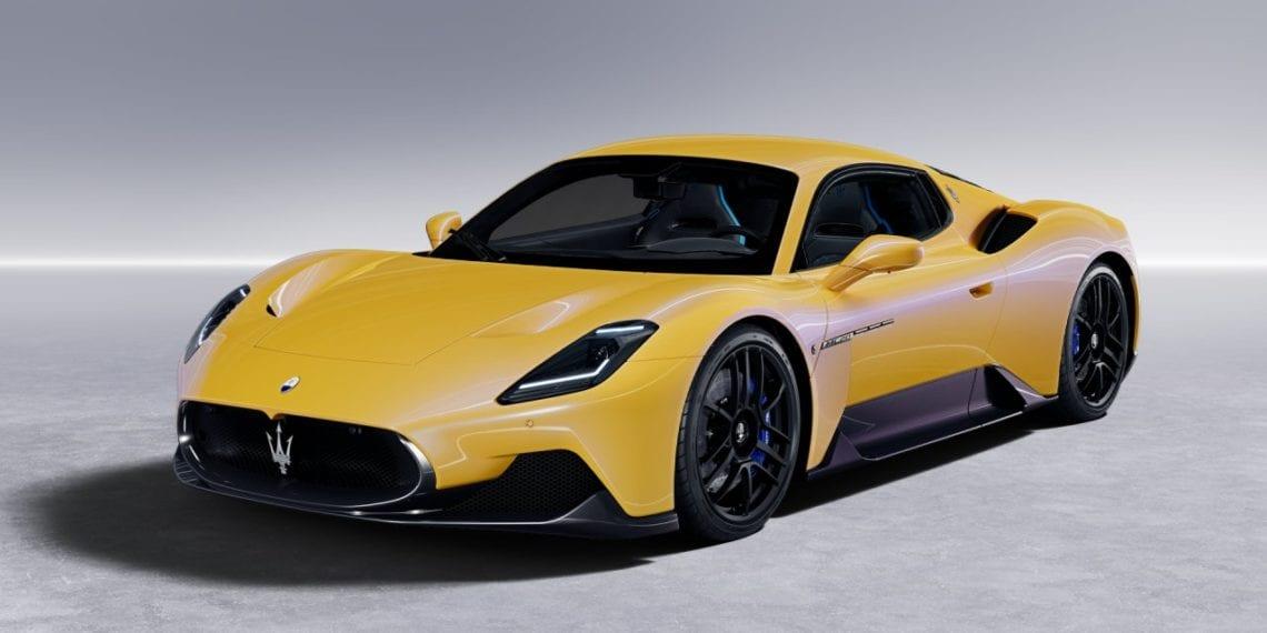 Mẫu Siêu xe  2 cửa Maserati màu vàng 630 mã lưc