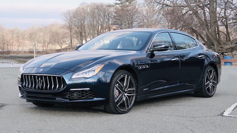 Maserati quattroporte sedan đời mới màu xanh đen
