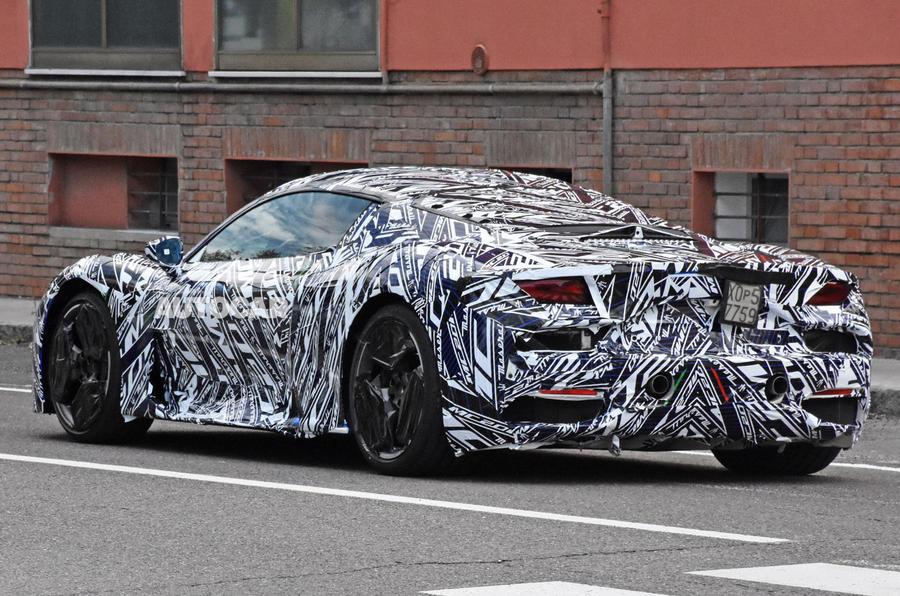 Xe 2 Cửa Maserati MC20 Phiên Bản Mạnh Nhất 3.0 V6 630 Mã Lực Ra Mắt Giá Bao Nhiêu tiền khi về việt nam,