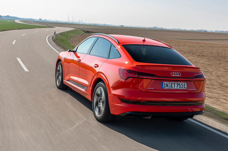 Xe Audi E-tron Sportback 55 Động Cơ Điện Bao Nhiêu | Đánh Giá An Toàn Và Vận Hành Như Máy Xăng Hay Không, Đi bao lâu sẽ thay thế bình điện, chi phí bảo dưỡng sửa chữa có đắt hay không, Khả năng ngập nước được bao nhiêu mm tại đường việt nam