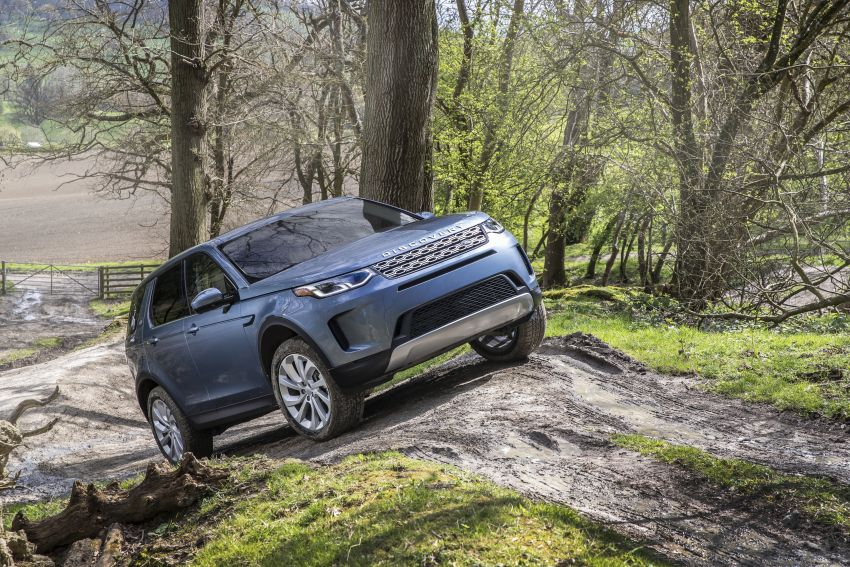 Mẫu SUV 7 Chỗ Land Rover Discovery SPort Tiêu Chuẩn và R-Dynamic 2020 màu xanh