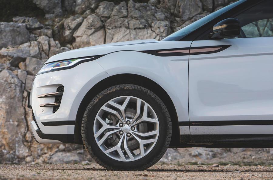 R21 inch, Mâm xe lớn hơn trên phiên bản cao cấp hoặc bản first edtion cho dòng range rover evoque 2020 này