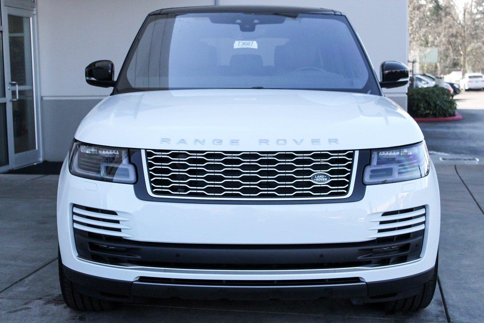 Đây là hình ảnh xe new range rover autobiography 3.0 lwb màu trắng đời mới nhất nhập khẩu chính hãng tại việt nam có giá trên 10 tỷ đồng