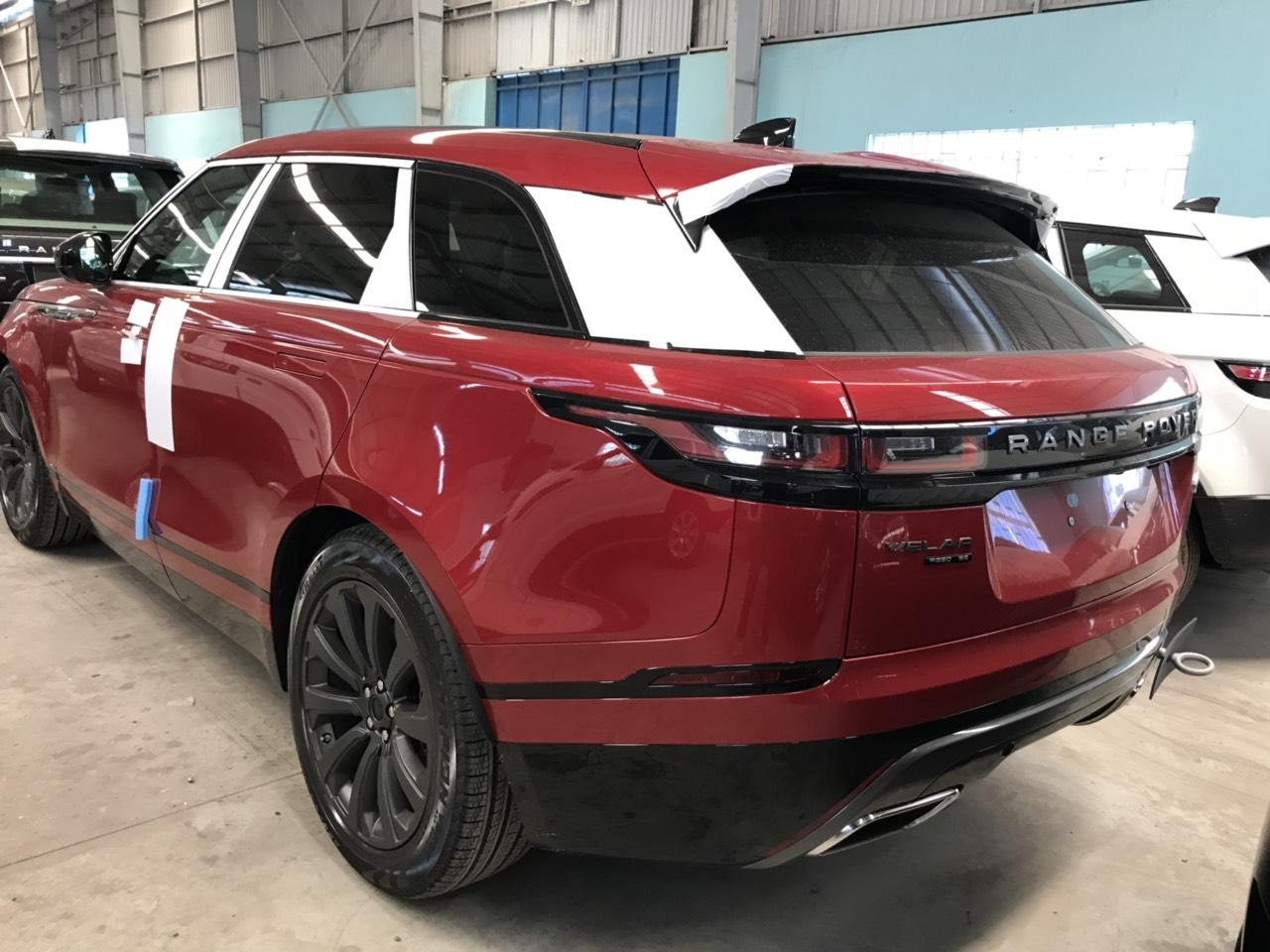 Giá Xe Range Rover Velar 2.0 màu Aruba và màu đỏ Bản Rẻ Nhất Đời 2020 Bao nhiêu Tiền tính cả lăn bánh và bao gồm các chi phí biển số, xe range rover màu nao đẹp,nhất giá bao bảo dưỡng sửa chữa có đắt hay không, địa chỉ bảo dưỡng ở đâu, 172 Hoàng Quốc Việt, Quận 7, TP Hồ Chí minh,