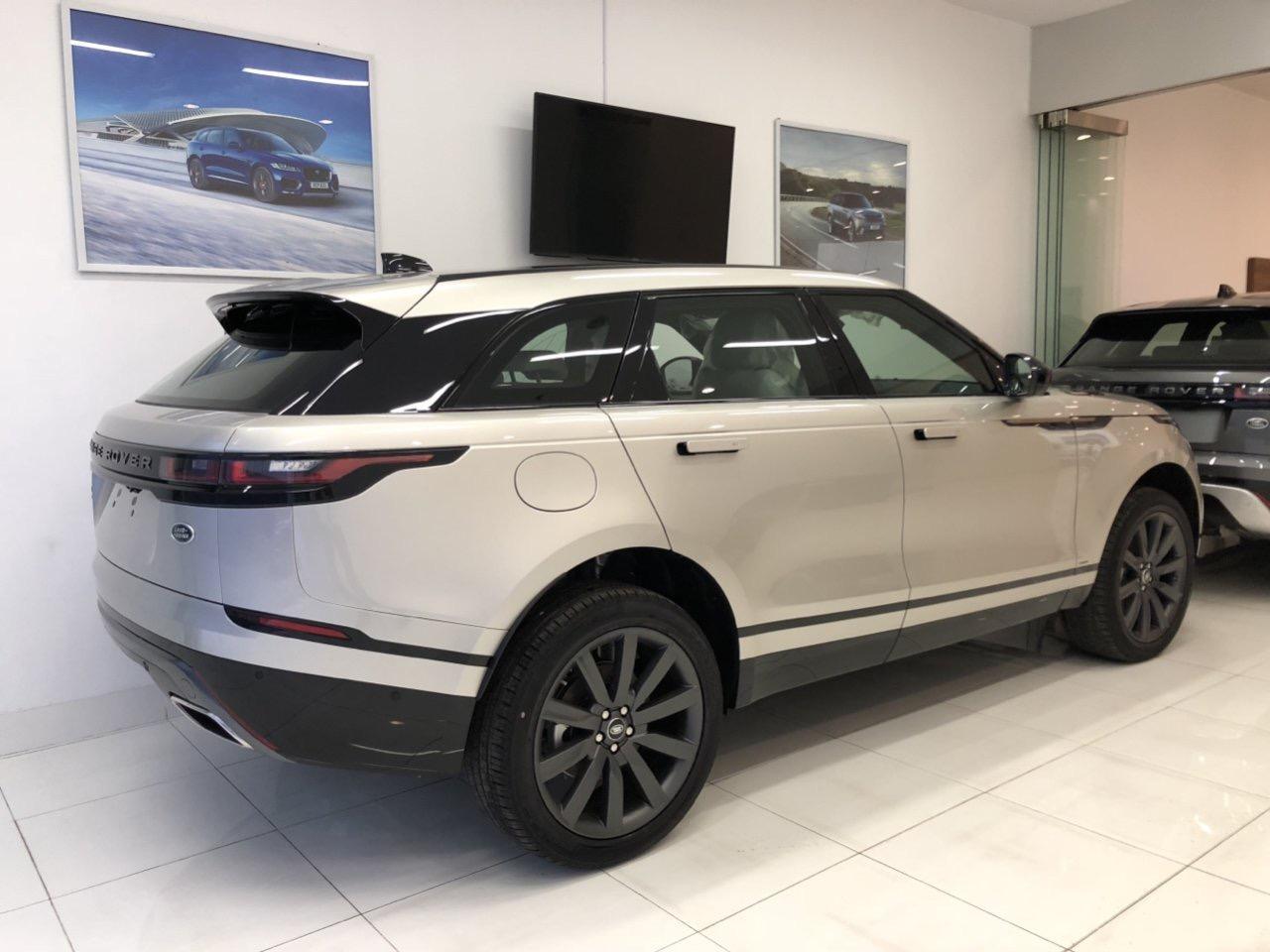 Giá Xe Range Rover Velar 2.0 màu Aruba Bản Rẻ Nhất Đời 2020 Bao nhiêu Tiền tính cả lăn bánh và bao gồm các chi phí biển số, xe range rover màu nao đẹp,nhất giá bao bảo dưỡng sửa chữa có đắt hay không, địa chỉ bảo dưỡng ở đâu, 172 Hoàng Quốc Việt, Quận 7, TP Hồ Chí minh,