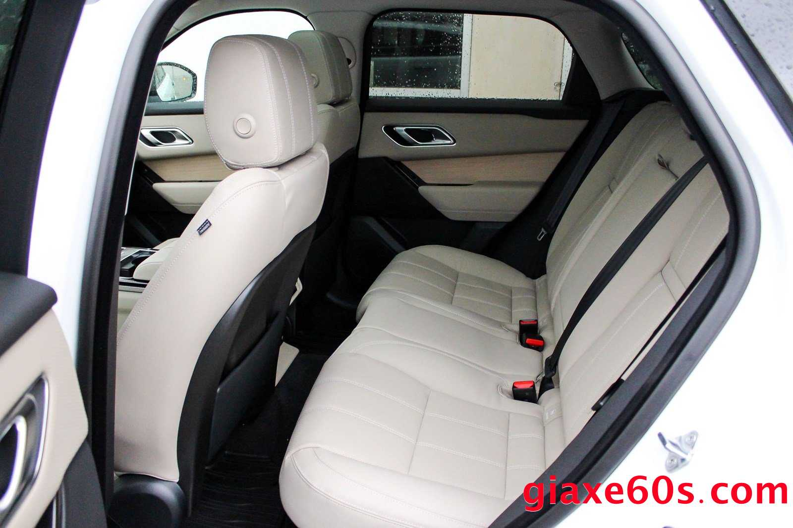 Range Rover Velar 2.0 Phiên Bản Rẻ Nhất Bao Nhiêu Tiền, Xe Velar Có Mấy Dòng, Giữa Bản S, R-Dynamic SE, Và SE khác nhau gì, Bản thấp nhất tiêu chuẩn có option gì, và thiếu gì,