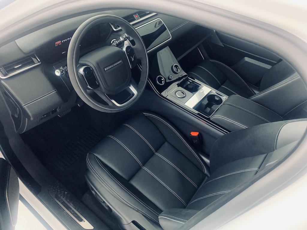 Mẫu Xe 5 Chỗ Range Rover Velar Có Giá Từ 4 Tỷ 099 Triệu S đến 5 tỷ 499 triệu phiên bản R-Dynamic SE. SUV Velar 2.0 Màu Trắng Đời 2019 Model 2020